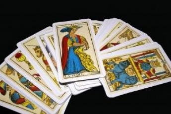 tarot-cards_21080831.jpg