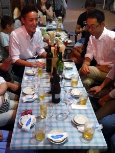 20140608MANEN_table.jpg