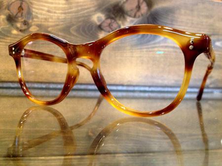 セルフレーム 折れ 眼鏡 メガネ 修理 新潟県 見附 めがね屋 老舗 長岡市