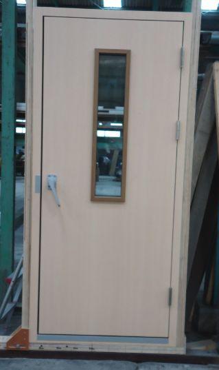 L-M-TEI DOOR KENSA