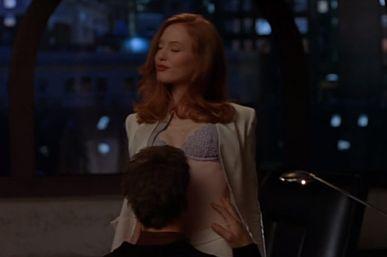 アリシア・ウィット 下着姿で誘惑するラブシーン