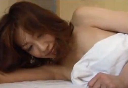 【細川ふみえ】セクシー全開のセミヌード披露