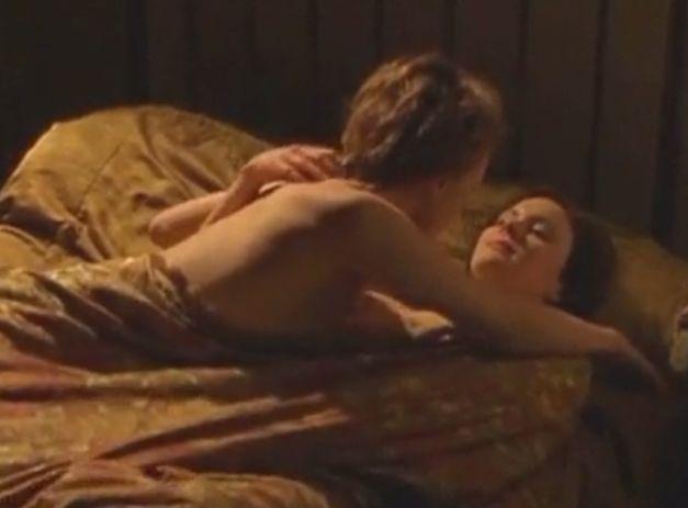 キーリー・ホーズ 全身をまさぐられて快感に身悶えるレズ濡れ場映像