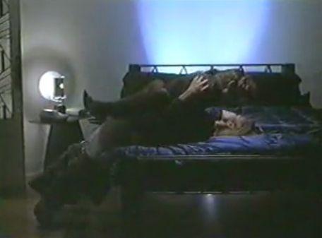 ミシェル・ジョンソン 乳首を吸われて快感に身悶える濡れ場