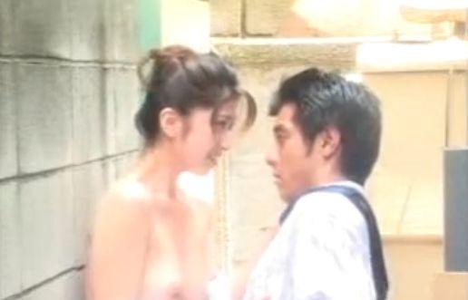 【長嶋玲子】服がはだけておっぱいモロ出しの濡れ場