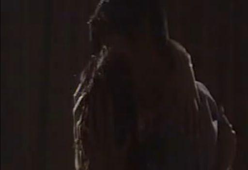【濱田のり子】抱き合って熱烈なキスを交わす濡れ場