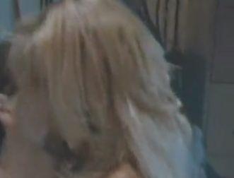 テレサ・ラングレー 乳首を吸われて激しく悶える濡れ場