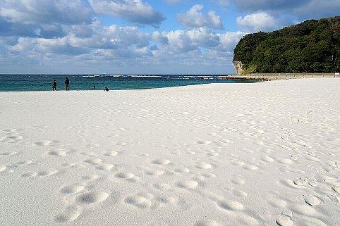 131221_Shirarahama_Beach_Shirahama_Wakayama_pref_Japan07s3bs.jpg