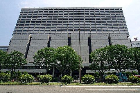 Tokyo_High_Court_Building02bs3200.jpg