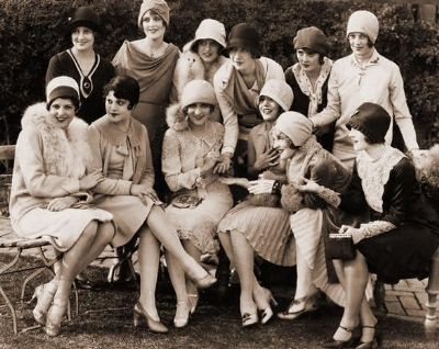 posed flappers great url-76_400