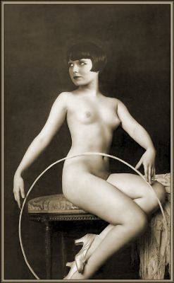 ziegfield follies louise brooks 1925_400