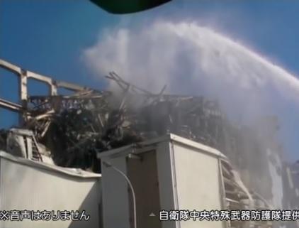 自衛隊原子炉注水2