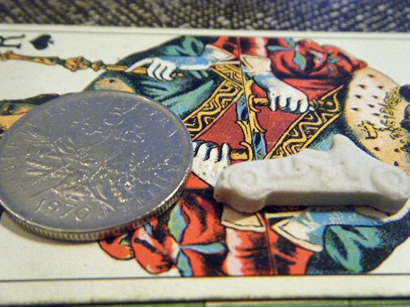 ガレットデロワ:フランス:フェーブ・FEVE:陶器、白磁ビスク、乗り物シリーズ 自動車 F1カー コインと 表