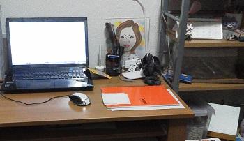 仕事ができそうな机!