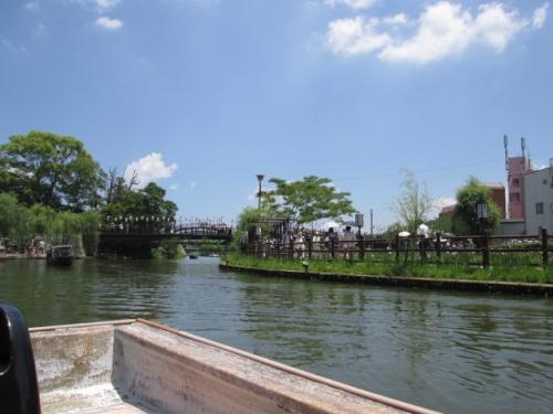 サッパ舟で十二橋めぐり