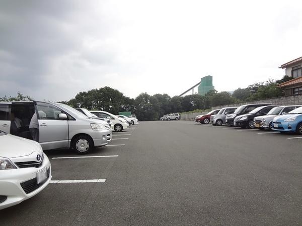 ログハウス駐車場