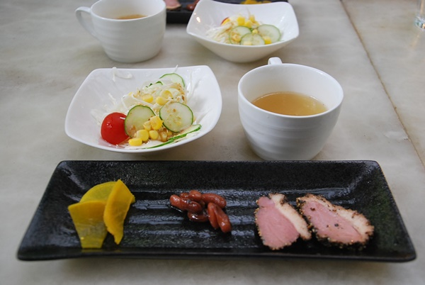 前菜、スープ、サラダ