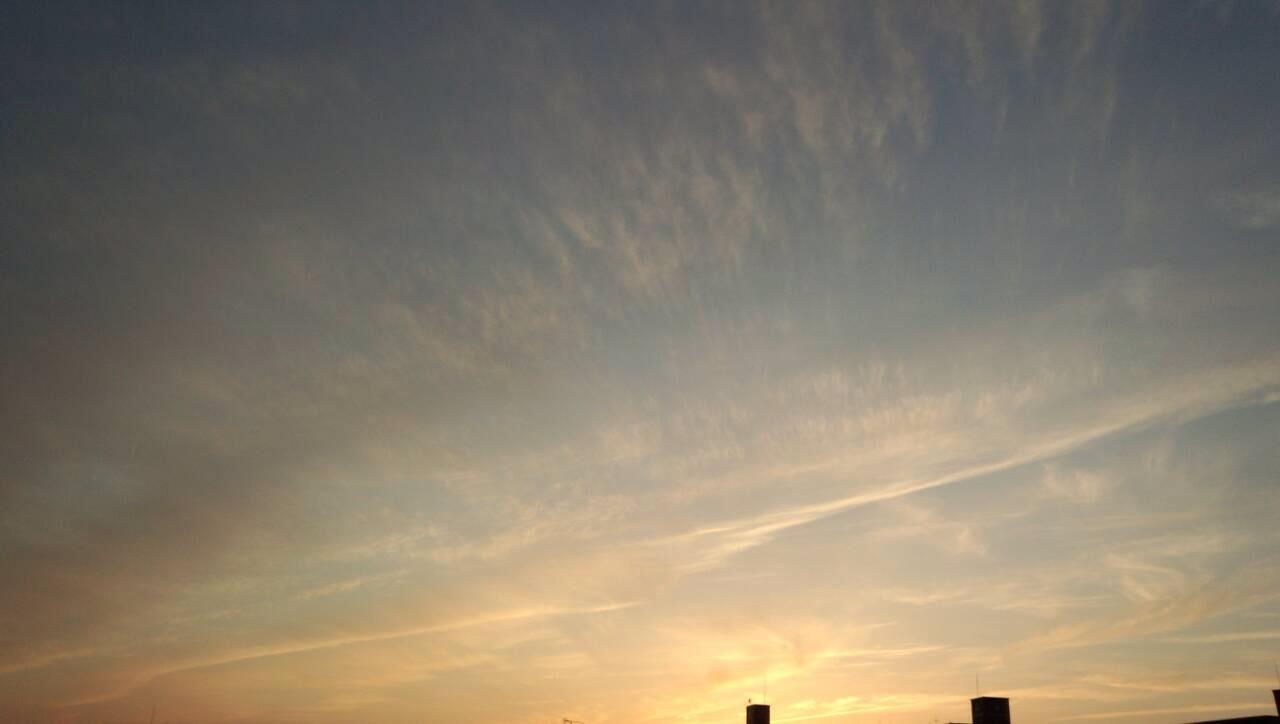 夕暮れ時の青い空4
