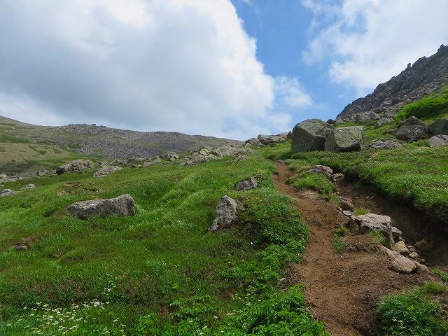 北海岳への道