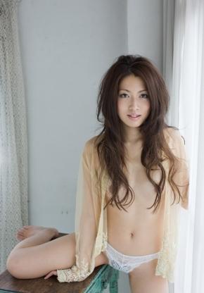 beauty050402.jpg
