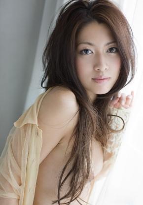 beauty050404.jpg
