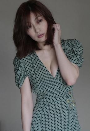 sexy033023.jpg