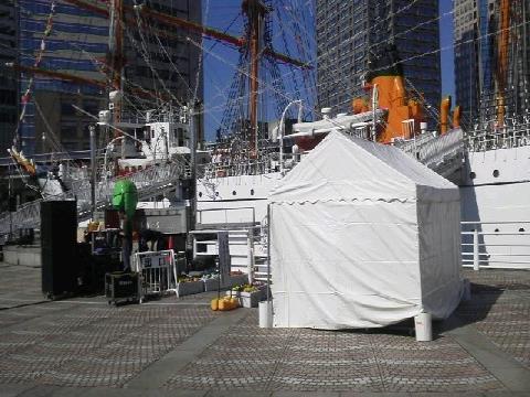 日本丸のテント現場②