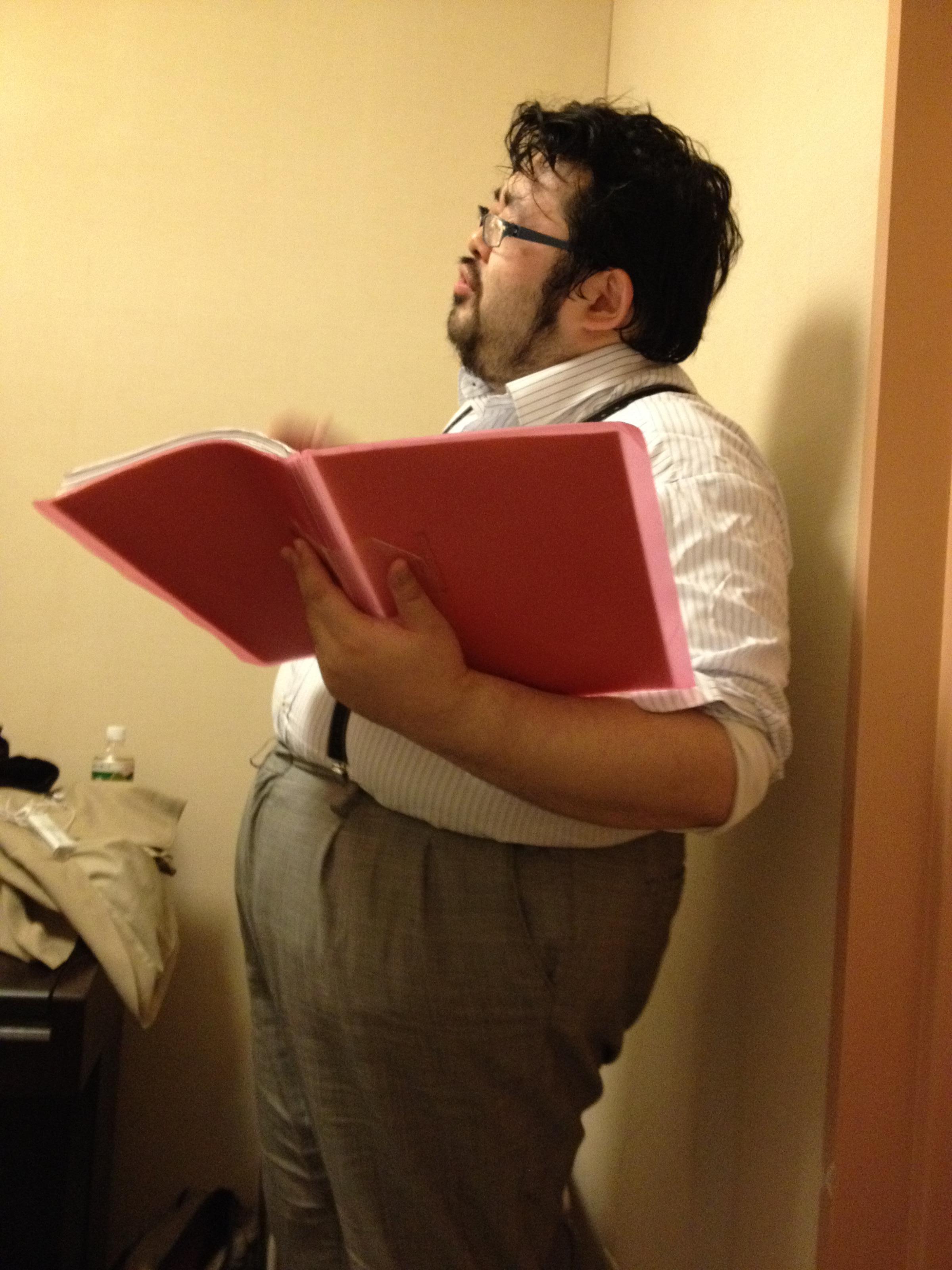 歌うデブ、145 kg