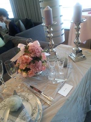 テーブル 001