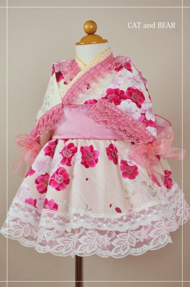 白地にピンクの桜柄が可愛いふりふり浴衣ドレス