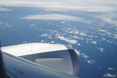 JAL中部‐成田、機窓2、海