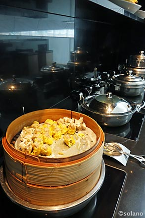 CXラウンジWING、食事1