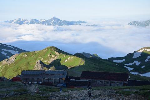 山荘と立山・剣岳