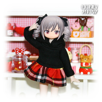 1/12DOLL 【パーカーワンピ】 服 武装神姫、figma、リボルテック、オビツ11、ピコニーモ(LilFairy)
