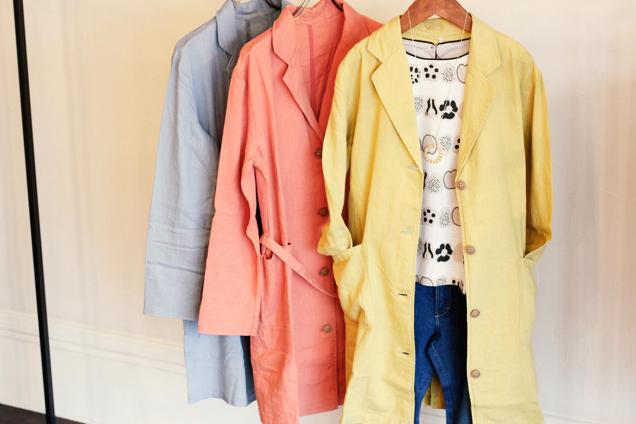 春のコート三色