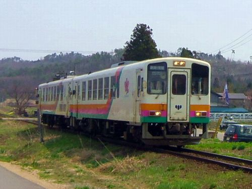 山形鉄道西大塚駅1 YR-880形