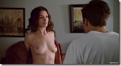 Anne-Hathaway-Love-and-other-Drugs-260329 (11)