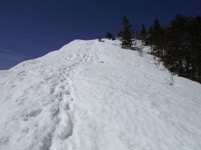 ⑧雪の急登