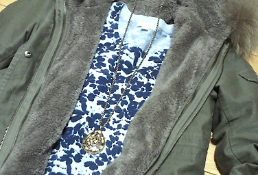 GAPで買った斑模様の綿素材の服。休日しか出番が無い…。