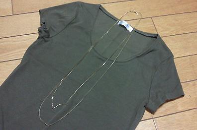 ゴールドの細チェーン2連ネックレスです