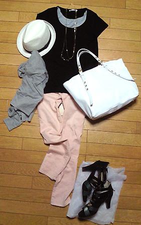 「黒Tシャツ×ピンクデニム×白ハット」がやたら誉められた