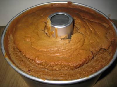 コーヒーシフォンケーキ 焼き上がり