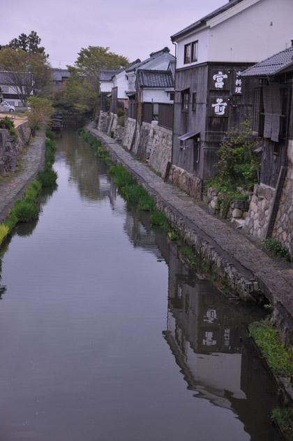 八幡堀と古い家並/近江八幡