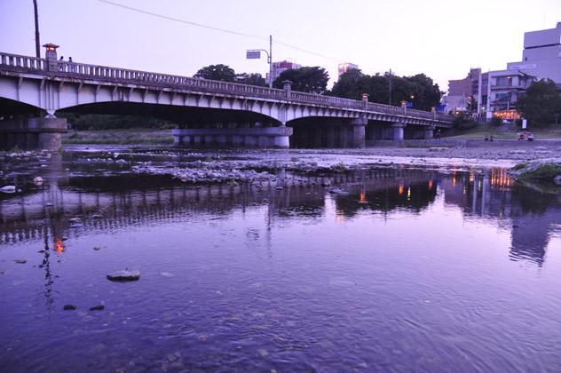 鏡像水面橋
