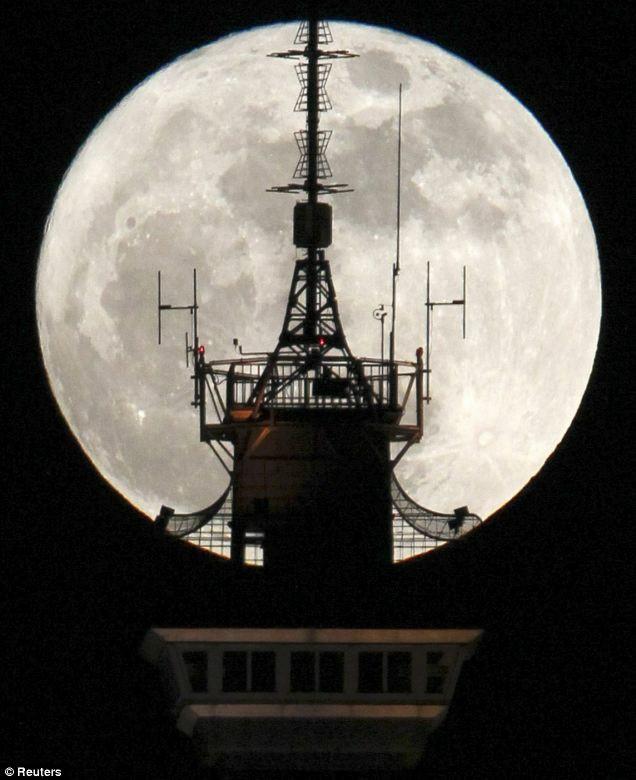moon08.jpg