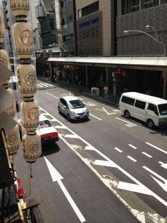 長刀鉾の上から烏丸通り_H26.07.16撮影