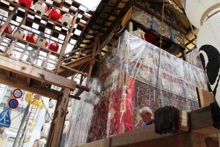 鉾への渡り廊下_H26.07.16撮影