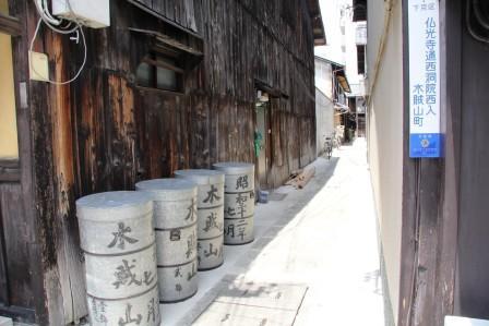 木賊山町の路地_H26.07.16撮影