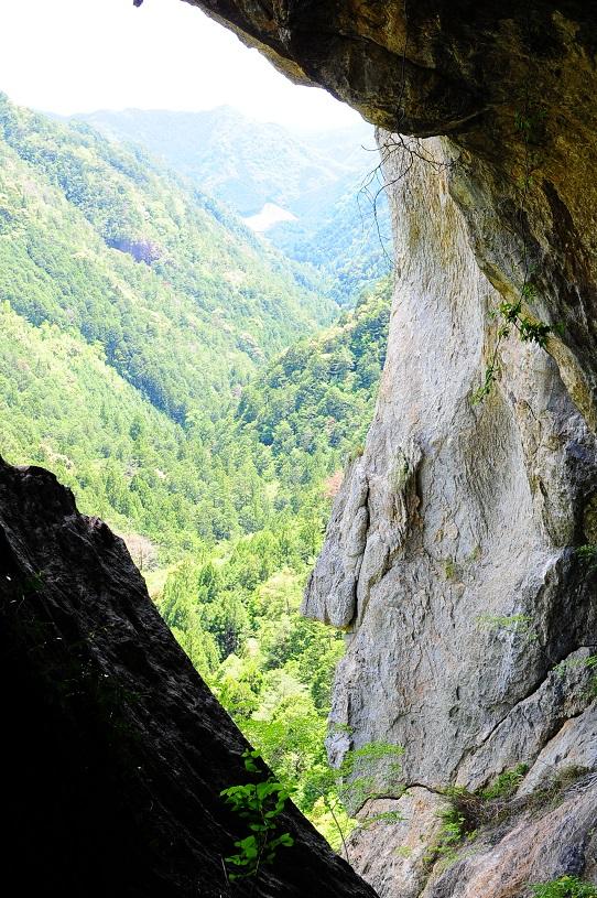 乳岩洞窟内