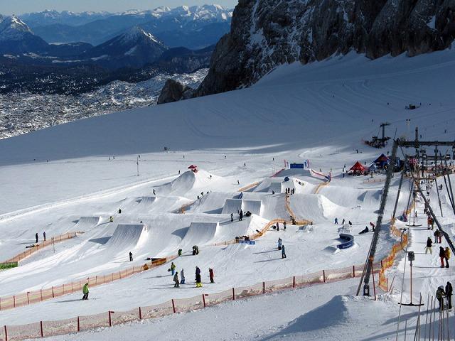 Ramsau_am_Dachstein_Dachstein_Snowpark_Sommer_01.jpg